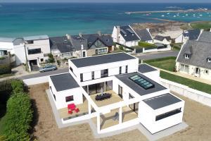 Villa Pool and Beach Bretagne