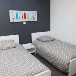 Chambre enfants avec 2 lits 90x190 (neufs)