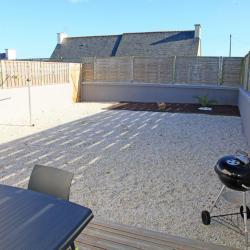 Jardin clos privatif, avec fil à linge pour les serviettes de plage