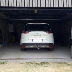 Garage privatif avec 2 vélos